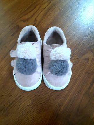 Sepatu H&M babygirl