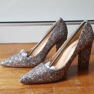 🚚 BN Glitter Heels Size 38