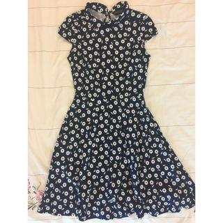 Dorothy Perkins Black Daisy Print Fit & Flare Dress