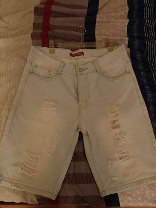 全新刷破牛仔男短褲