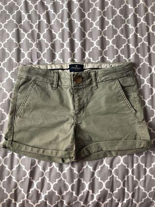 🚚 American eagle military shorts size 0