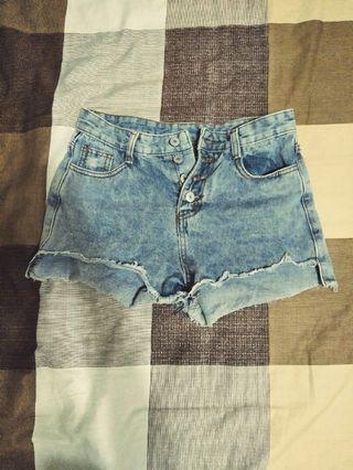 🚚 高腰牛仔短褲
