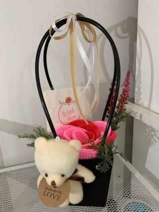 🚚 Mother's Day Crochet Rose Box