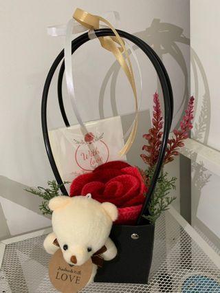 🚚 Mother's Day Crochet Rose Box #MRTserangoon