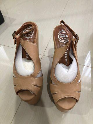 Campbell cream wedges