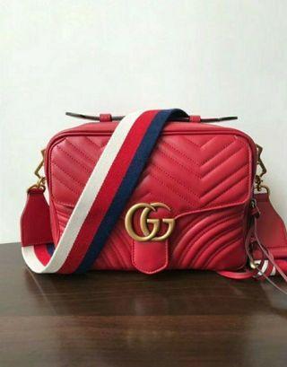 👍👍👍保證全新正品新款Gucci marmont 粗背帶郵差包 肩背包 斜背包 手提包 紅色