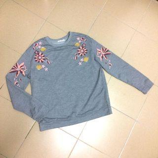 Embroidery Grey Sweatshirt
