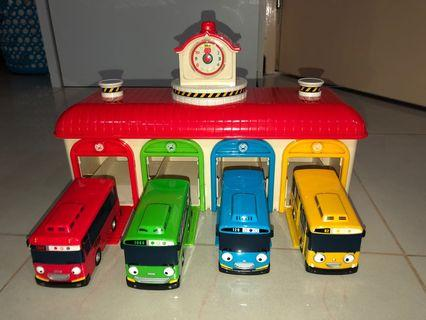 Sale of Pre-Owned Tayo The Little Bus- Talking Central Garage Playset