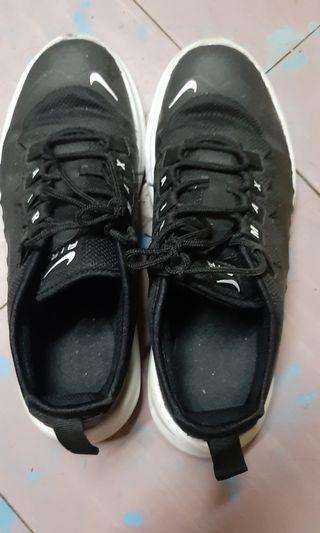 波鞋歐碼37.5 英碼4.5 23.5cm