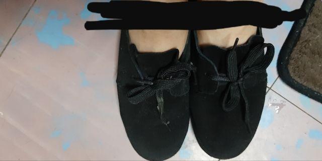 黑鞋7成新如圖5號鞋