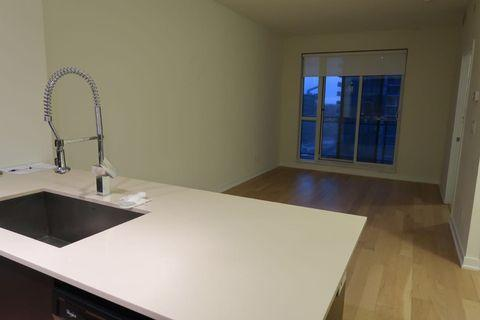 Unfurnished 1 bed 1 bath SQUARE ONE