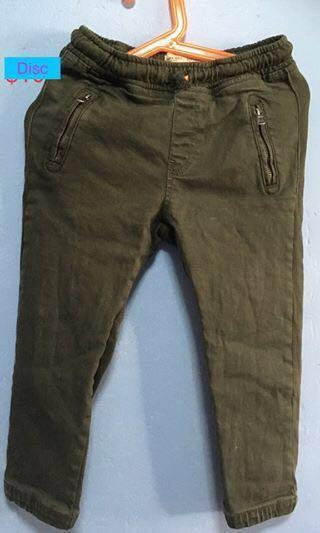 5 Pants for $10 only. Branded Boys pants; All 5 for $10; Size: 4-7 years