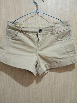Celana pendek wanita short pants