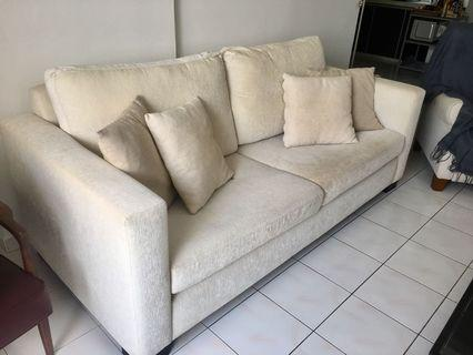 3 seater Sofa with 4 cushions