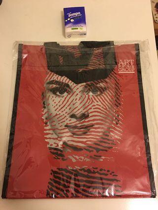 New art Audrey Hepburn A4 bag
