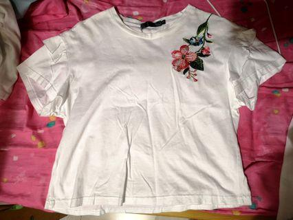 繡花t-shirt