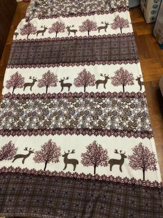 🚚 Light weight soft single size blanket with Christmas design