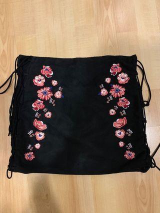 🚚 h&m floral skirt