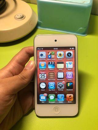 iPod 4th Generation 8gb (with camera)