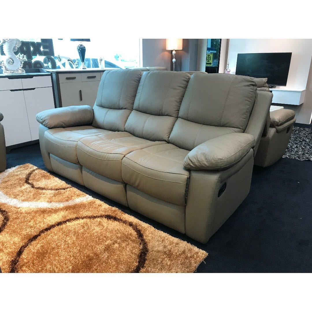3 2 Recliner Leather Sofa Furniture Sofas On Carousell