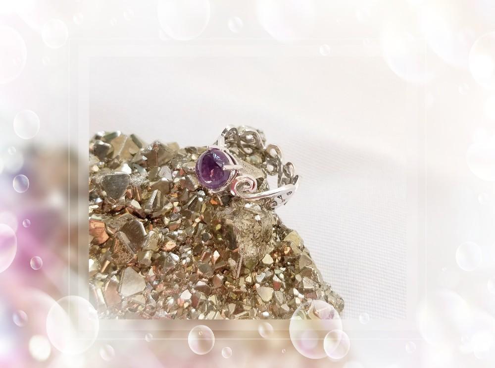 全新品 原產地: 巴西 天然優質晶瑩剔透 光面圓型 紫水晶 Amethyst 純銀 (S花) 925戒指 一隻/ HK Size#17/ QR~65