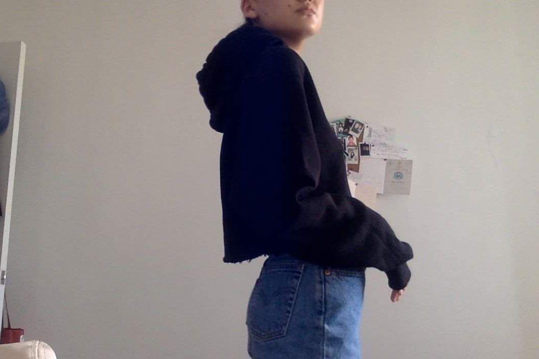 Black crop hoodie