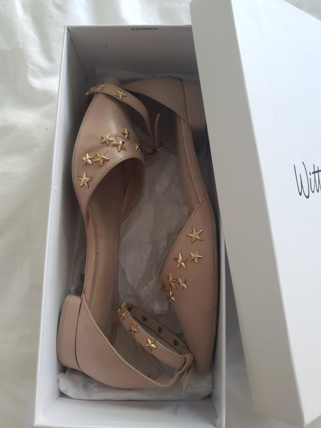 Blush pink flat shoes with gold stars - Wittner $35