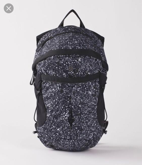 b75588e544 ... BNWT Lululemon Run All Day Backpack Splatter Reflective Women s