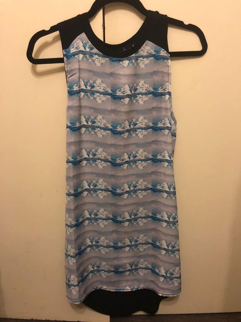 Casual patterned shift dress
