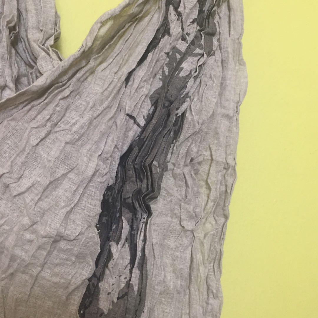 Crinkled Linen Scarf w Graphic Print #ENDGAMEyourEXCESS