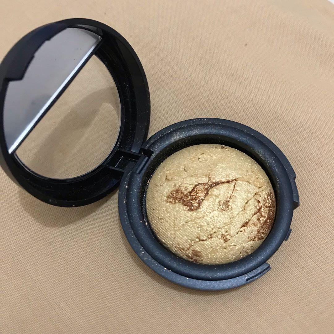 Eyeshadow Golden Eyes