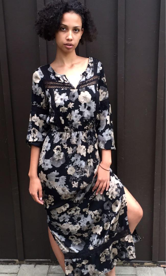 Forever 21 Monochromatic Floral Maxi Dress in Medium