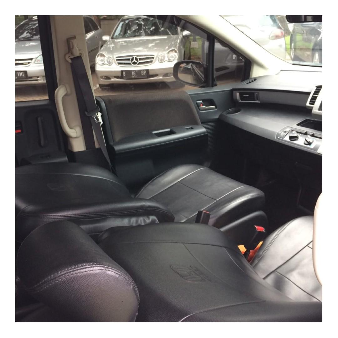 Honda Freed SD AT 2015 Hitam AC Double, Steer Audio Control, Electric Door, DP 31,9 Jt