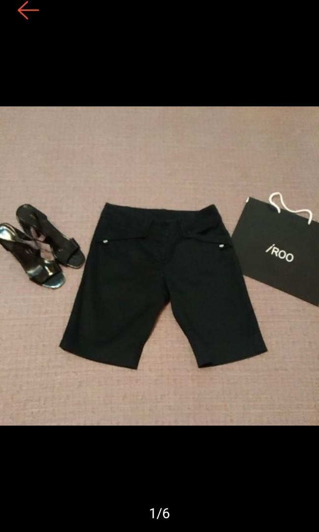 IROO 專櫃 時尚 經典黑 5分短褲