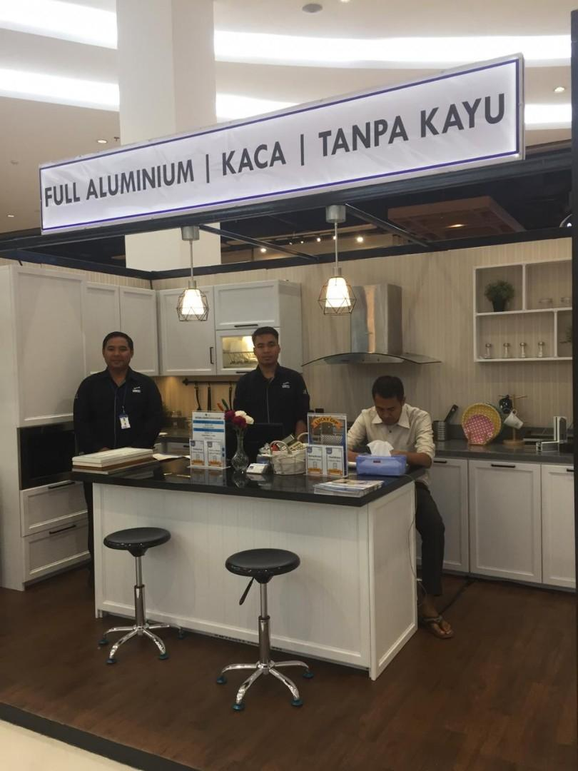Kitchen set aluminium display pameran