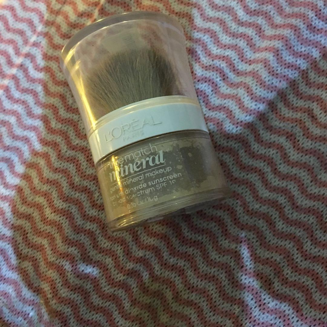 LOREAL POWDER FOUNDATION NATURAL BEIGE