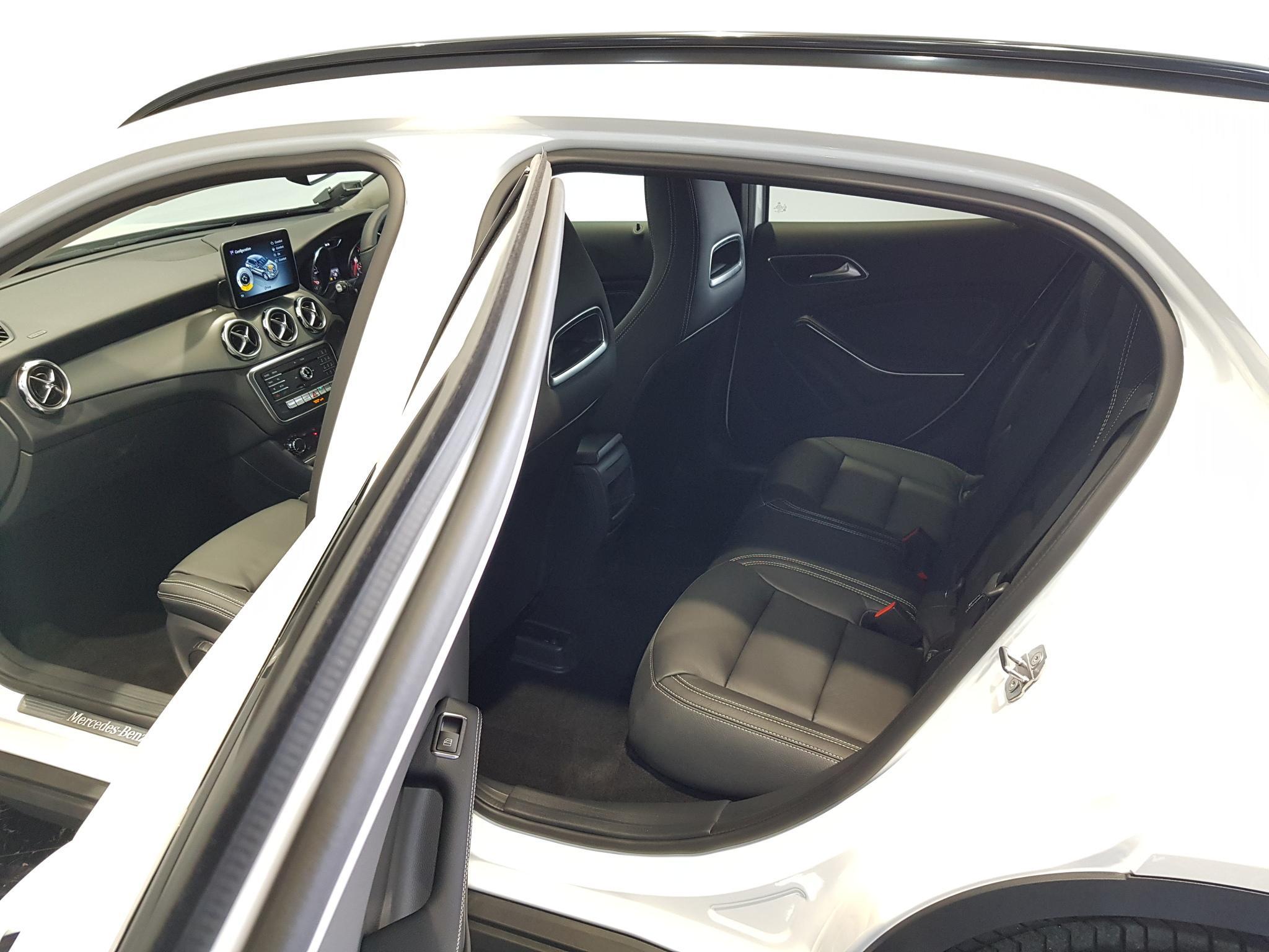 Mercedes-Benz GLA-Class GLA180 Urban Edition (A)