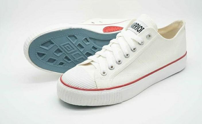 Sepatu Classic LC White