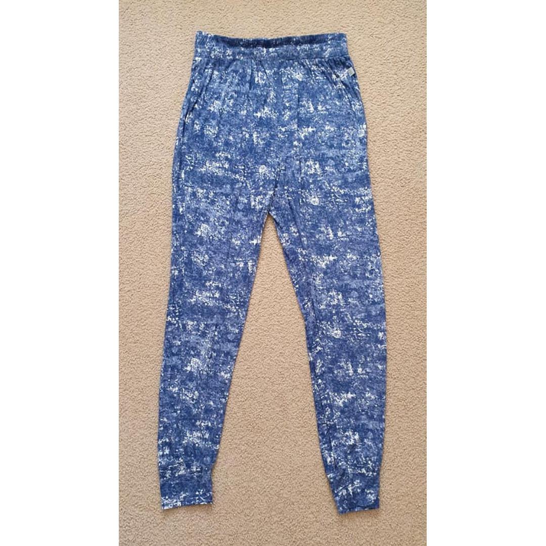 vgc size S 8 10 ladies soft comfy cotton on body lightweight harem pants navy blue