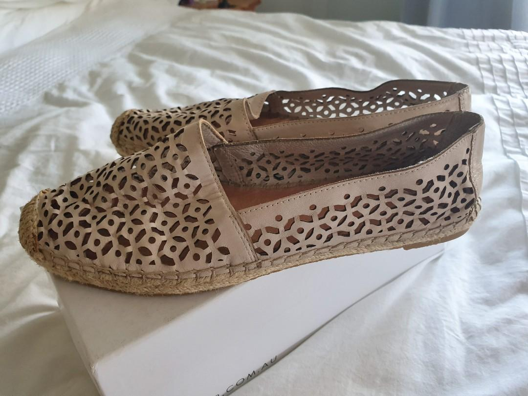 Zoe Wittner espadrille leather flats - neutral colour $35