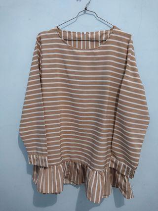 Rufle stripe blouse