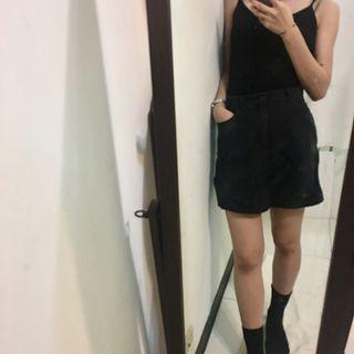 又是辣妹🌶黑色短裙