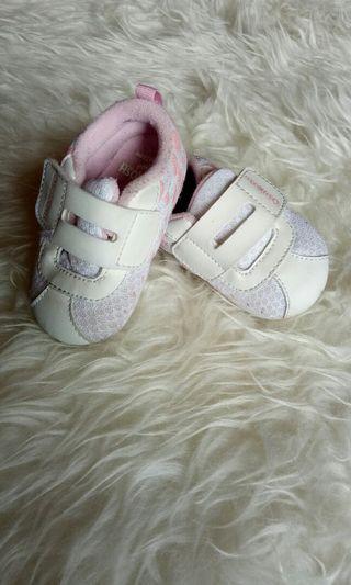 Sepatu bayi baby shoes oshkosh