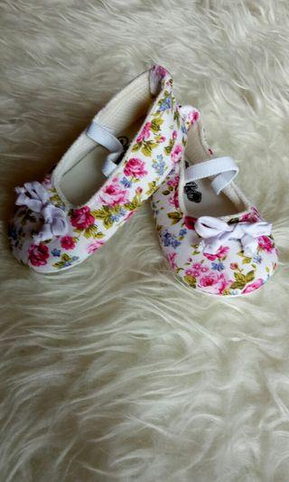 Sepatu balet pipiniko