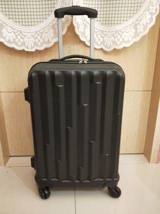 21吋ABS直條紋登機箱 行李箱(黑)