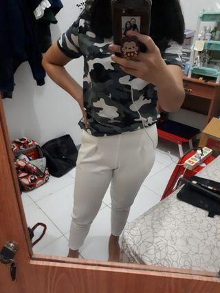 Celana putih scuba