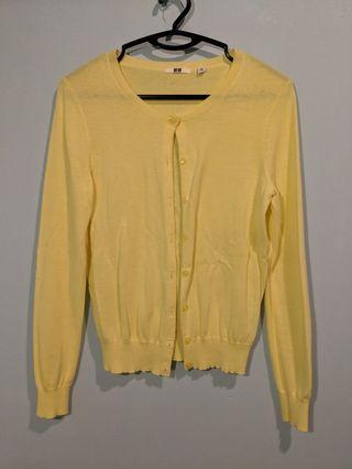 🚚 Pastel yellow cardigan