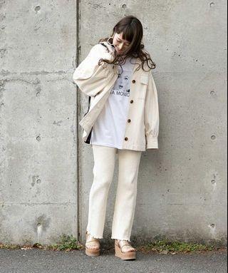 (🇯🇵日本代購) 日幣¥9,180円【mystic】工裝風寬松休閒翻領腰帶款短版象牙白外套 全新
