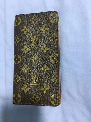 LV Wallet (Authentic)