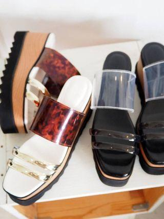 (🇯🇵日本代購) 日幣¥11,880円【MURUA】鞋墊內置加厚加軟記憶棉上腳舒服招搖透明黑灰涼鞋 全新